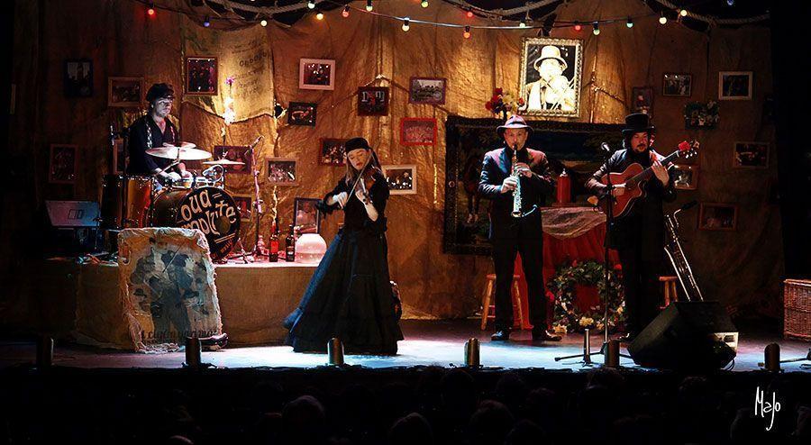 Teatro Che y Moche presenta: EL FUNERAL